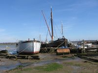 00053barges_at_pinmill.jpg